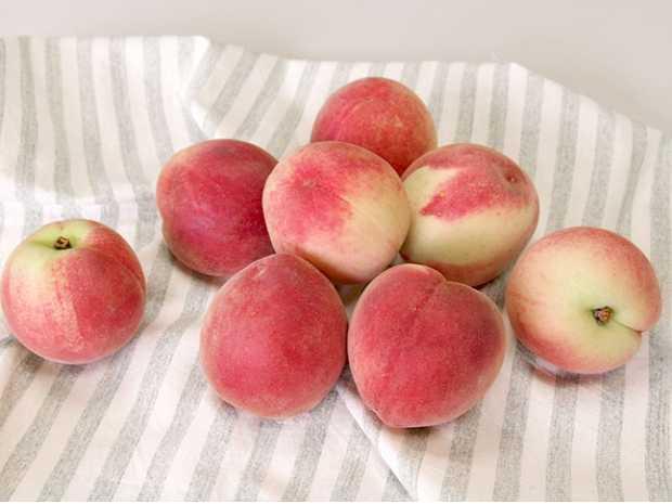 紅果見水蜜桃
