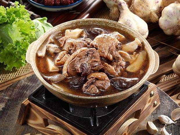黑蒜雞湯煲